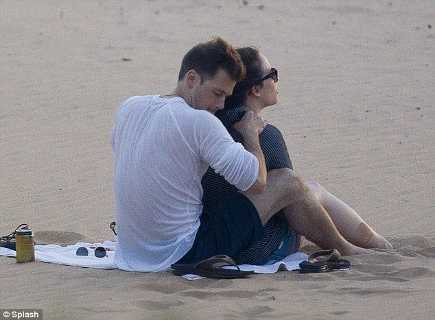 nick zano kate dennings beach