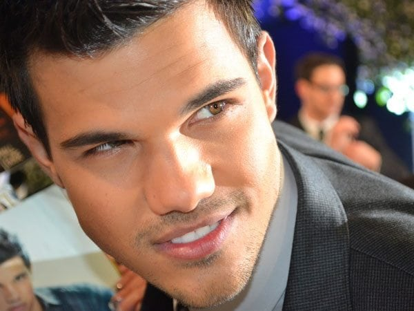 Taylor Lautner eyes brown