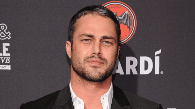 Grey hair in men - Taylor Kinney