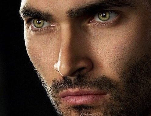 tyler hoechlin green eyes