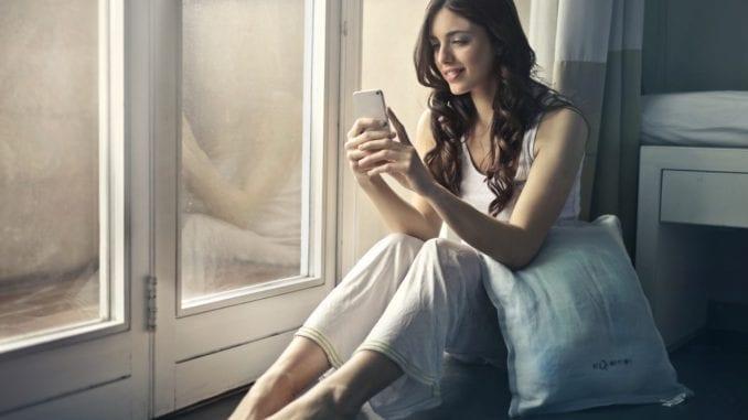 girl social media